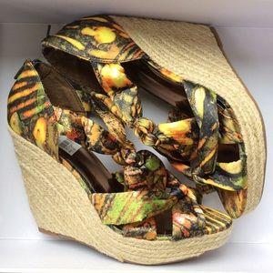 Sexy Tropical Island Palm Print Fabric Wedges